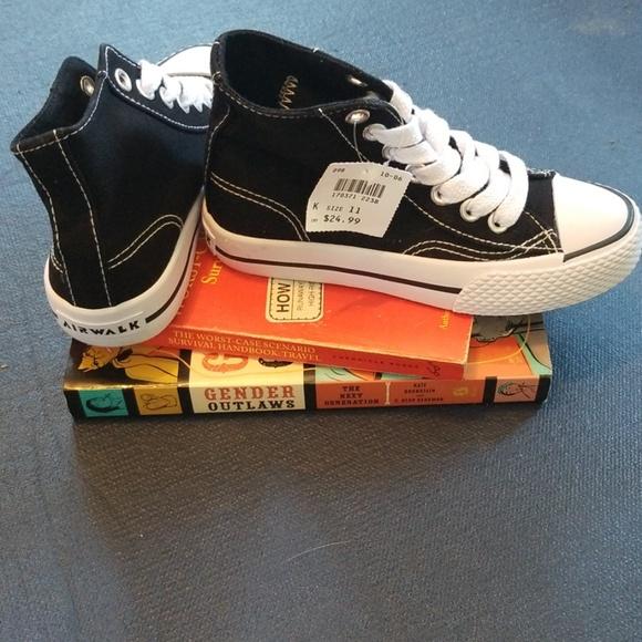 a94a4ba9338a Kids sneakers. NWT. Airwalk
